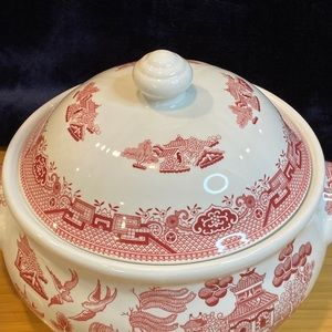 Churchill England Red Covered Bowl